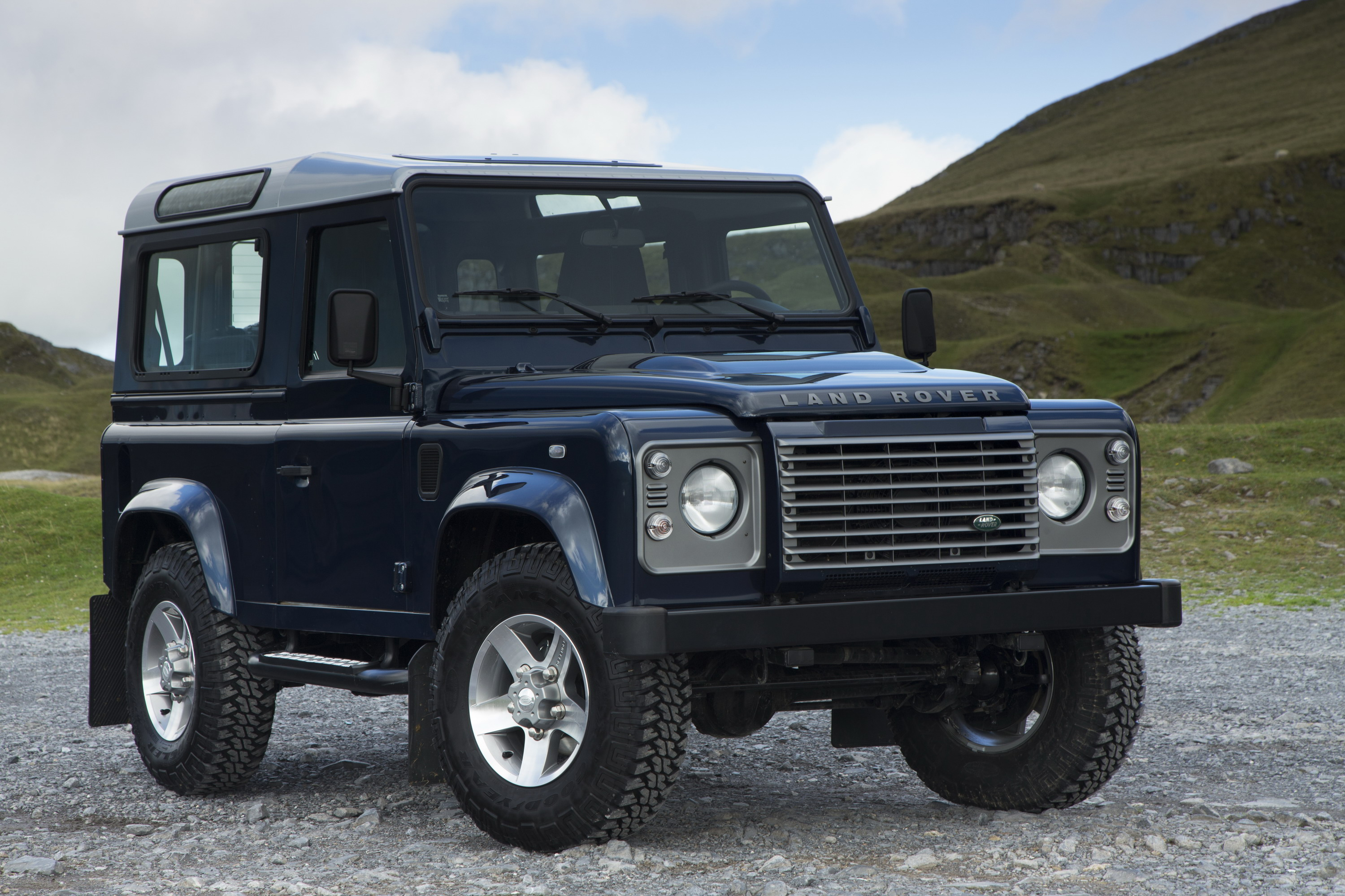 Land Rover Defender Pickup To Debut In 2017 News Top Speed