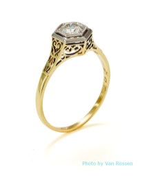 Gold_Diamond_Ring