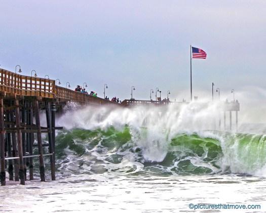 winter waves at the Ventura Pier