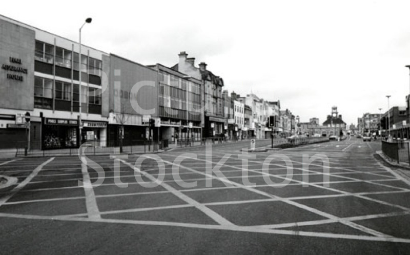 Stockton high street 1984 picture stockton archive Public swimming pools in stockton