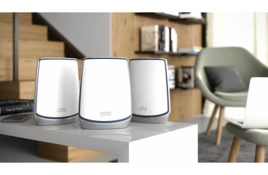 最新WiFi 6テクノロジーを搭載したトライバンドメッシュWiFiシステム「Orbi WiFi 6」の3台セット「RBK853」