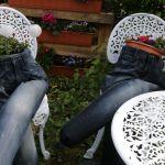 Alte Jeans mit neuen Leben – Blumenkübel der besonderen Art :)