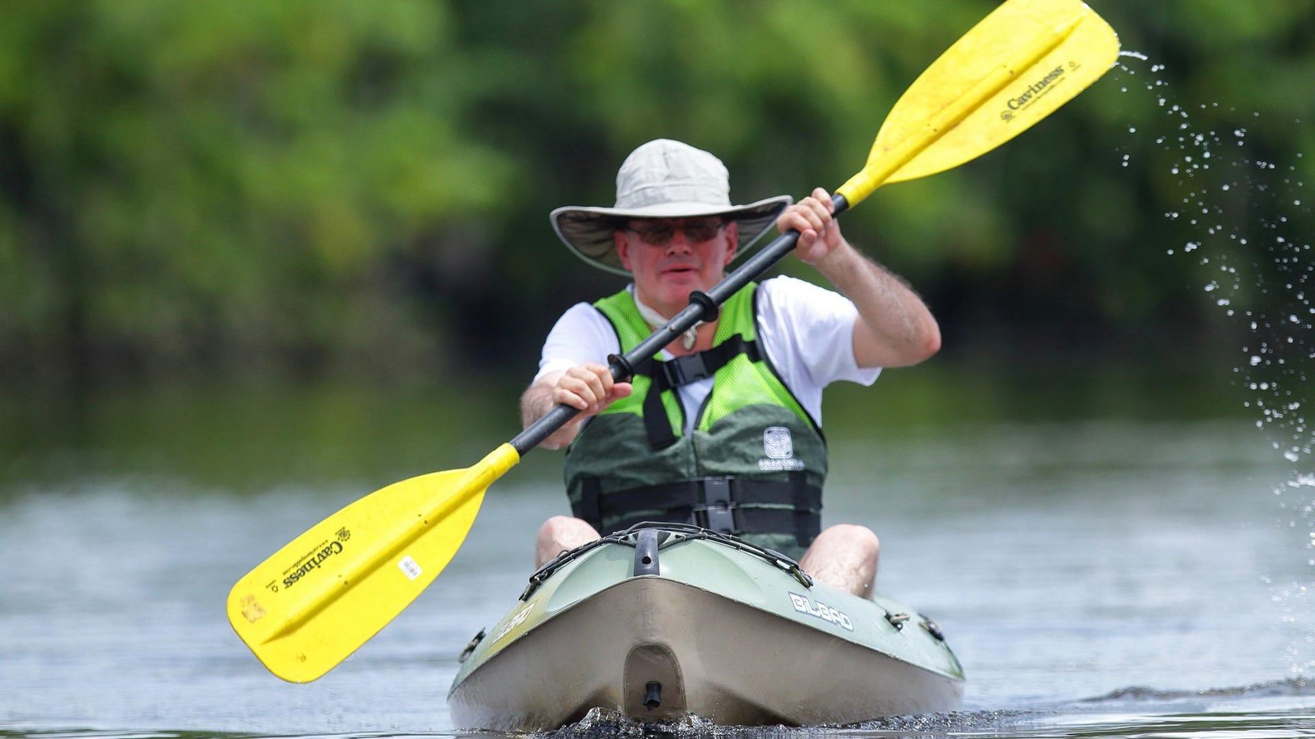 kayak in amazon ecuador