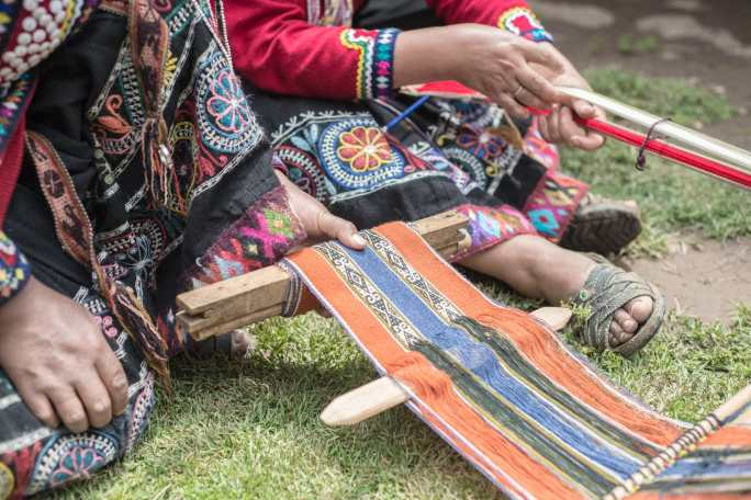 Peru-Sacred-Valley-Weaving-Textiles-12