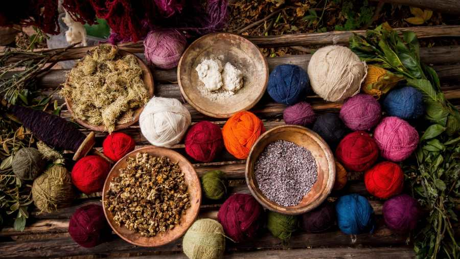 Peruvian textile weaving - Colorful yarn and dyes