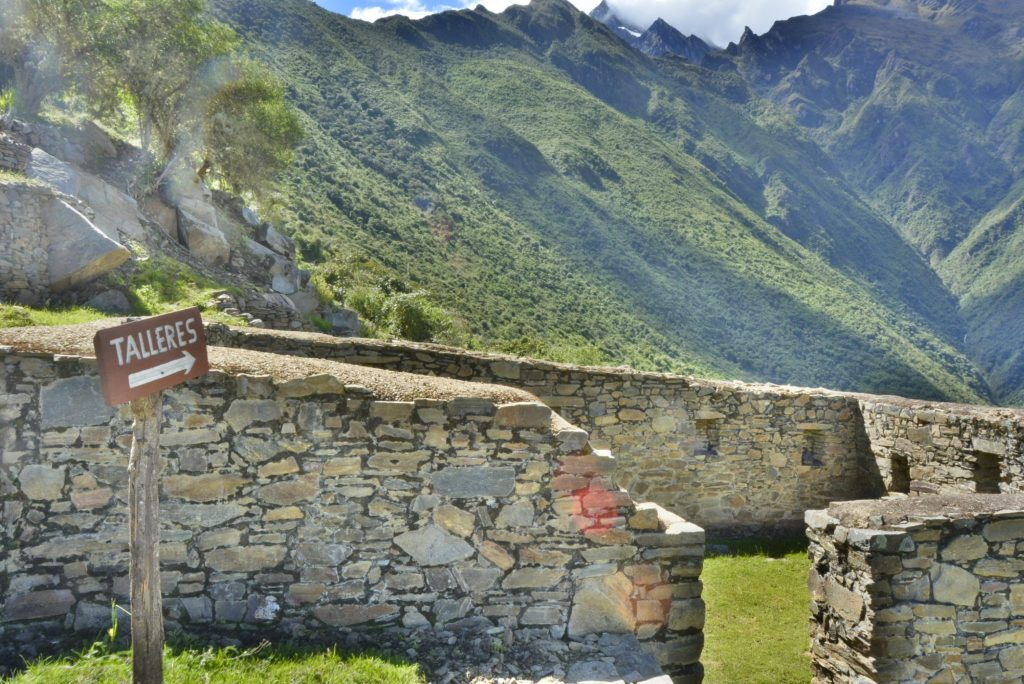 Choquequirao trek to Machu Picchu
