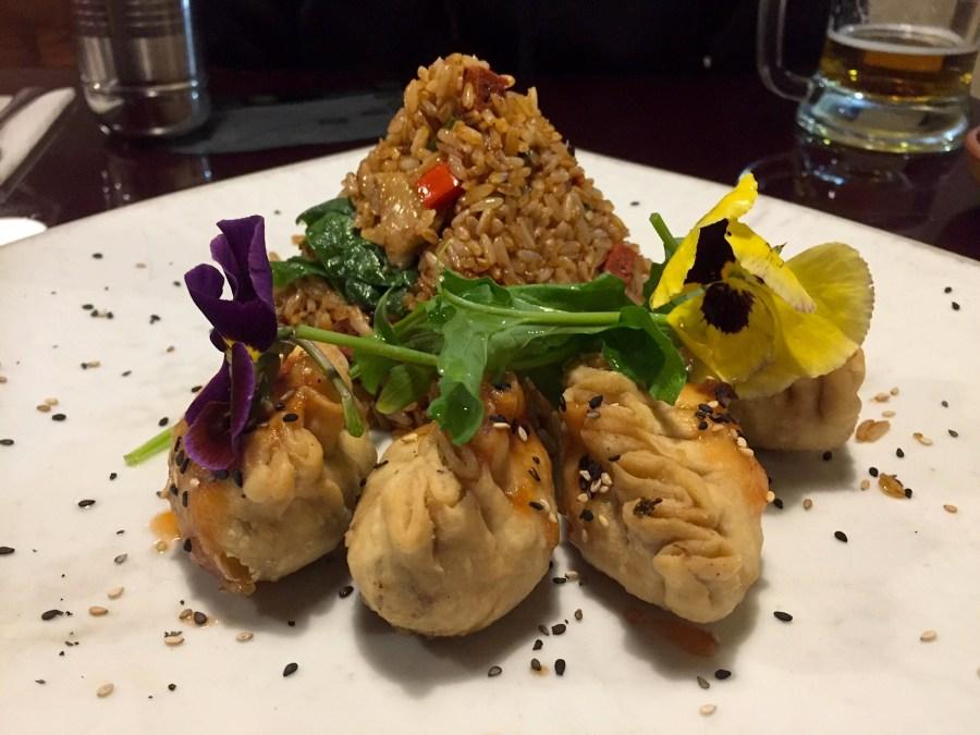 Vegetarian food in Peru - Fried rice and dumplings