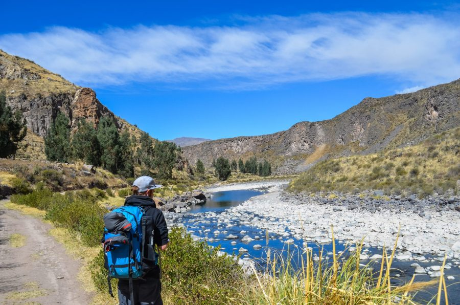 Homestay tours in Colca Canyon - Hiking along the Rio Colca.