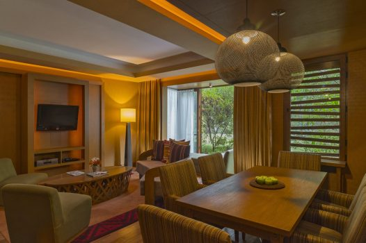 Luxury hotels in Sacred Valley - Senior suite living room at Tambo del Inka.