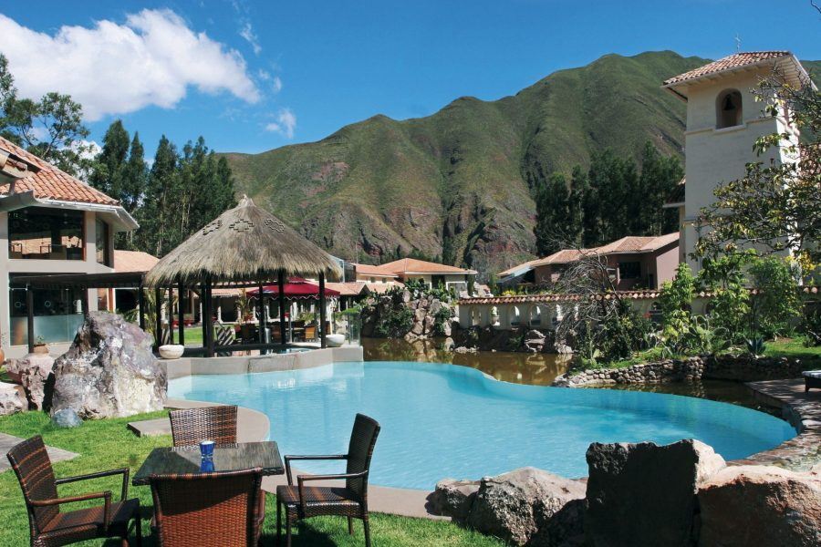 Luxury hotels in Sacred Valley - Pool with mountain views at Aranwa.