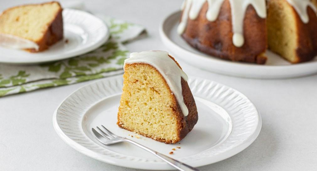 עוגת שקדים, פסיפלורה ושוקולד לבן