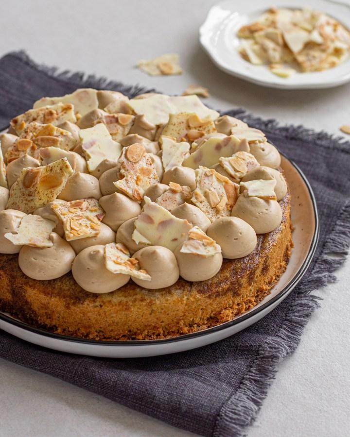 עוגת שקדים, קפה ושוקולד לבן ללא קמח
