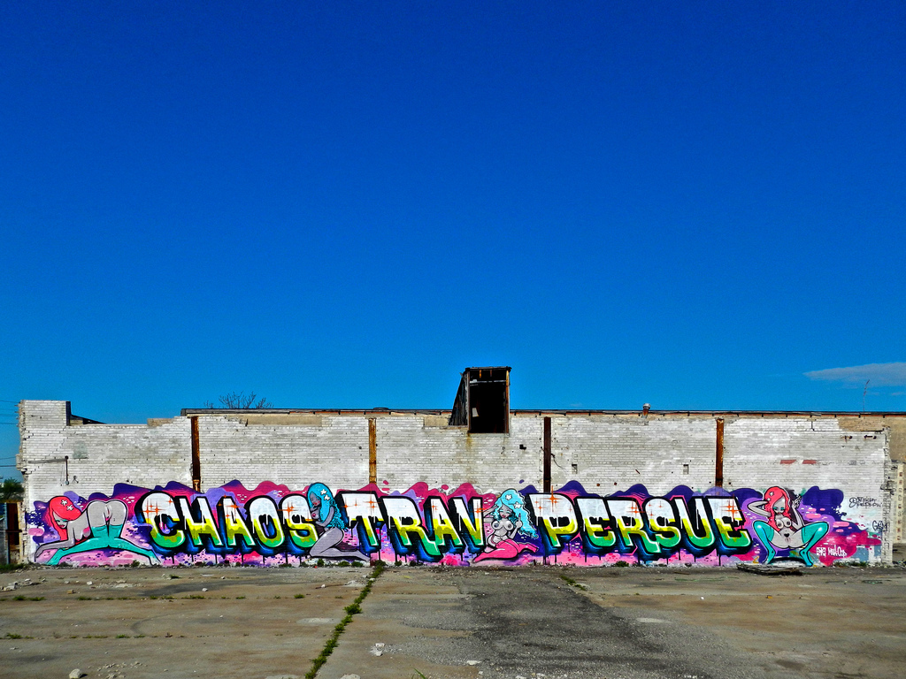 trav-chaos-persue