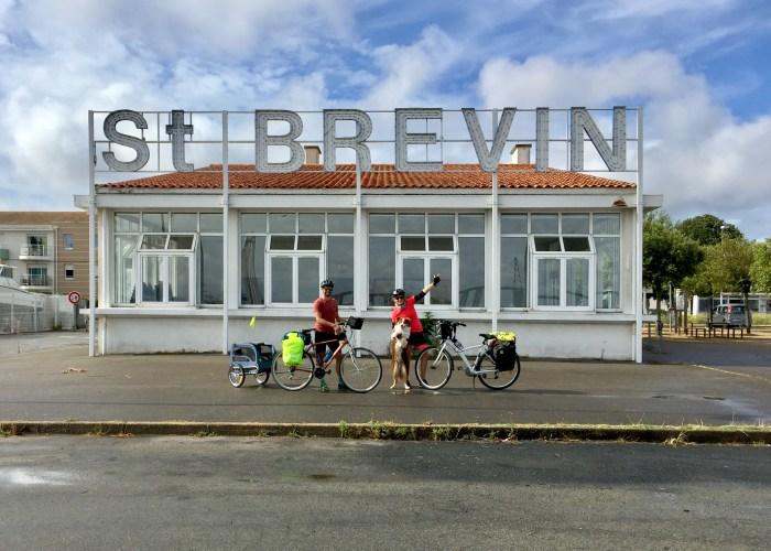 Saint Brévin les Pins Velodyssée vélo avec un chien
