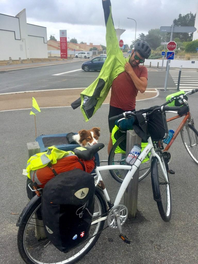 voyage à vélo sous la pluie Vendée