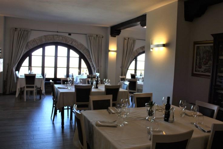 Le Torri dining room