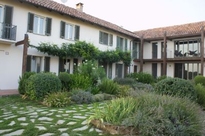 L Shaped Courtyard