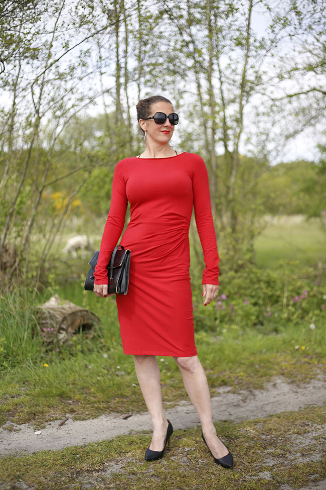 Lady In Red - Suzinka Dress - Sewn by Pienkel, fabric by JoyFits, pattern by Lillestoff