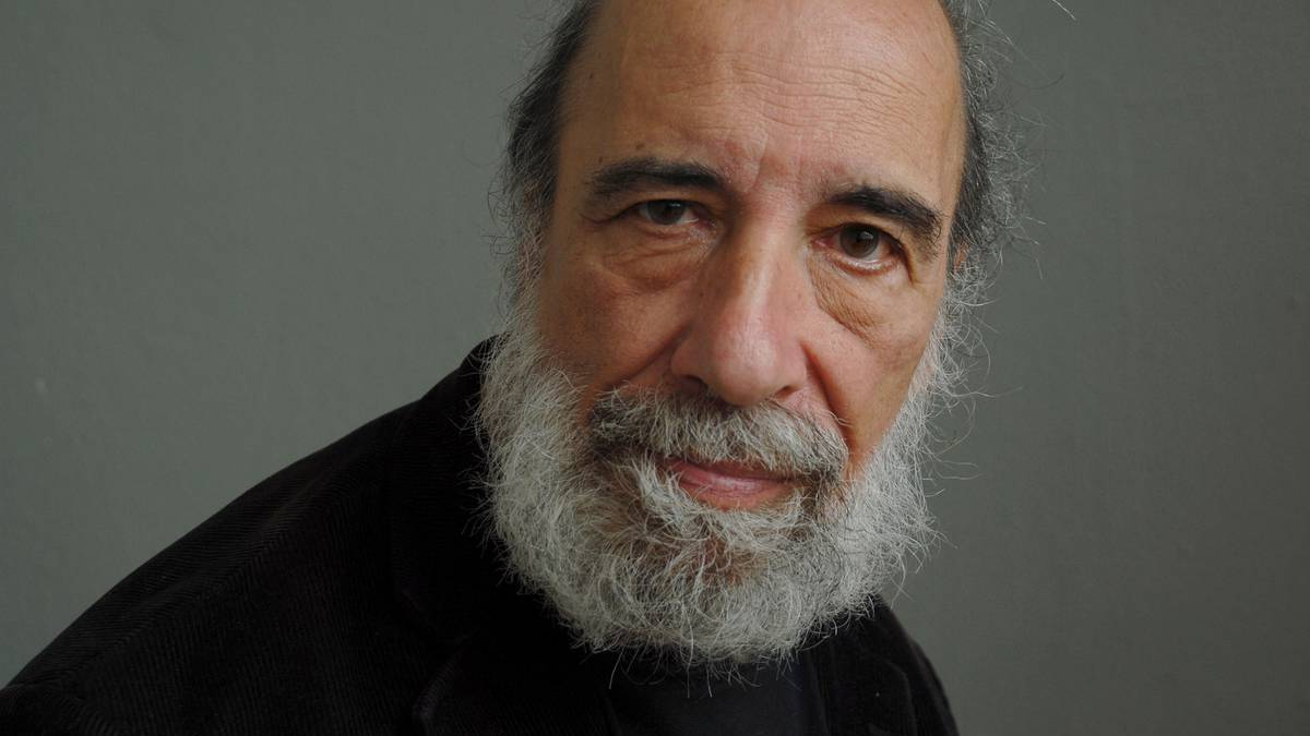 """Raúl Zurita por plebiscito: """"Me preocupa que se burlen del pueblo por segunda vez. Eso sería un desastre"""""""