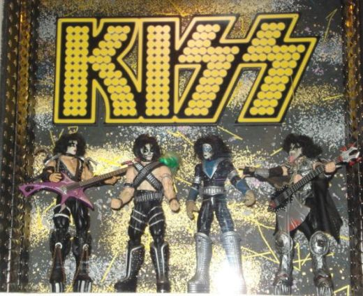 vynl, kiss action figures