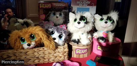 toy insider, holiday of play, holiday of play 2018, photos from holiday of play 2018