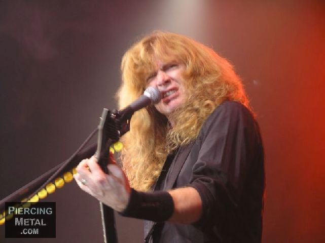 Megadeth S Dave Mustaine Diagnosed With Throat Cancer Piercingmetal Com