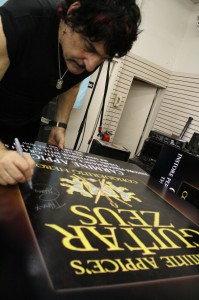Carmine Appice signs the Marquee