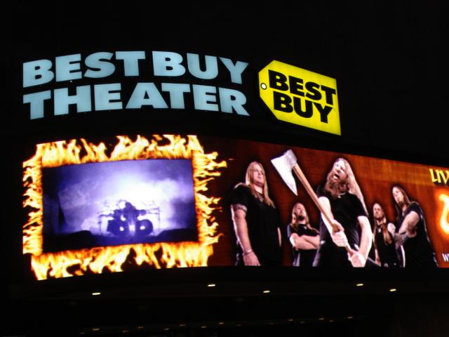 Amon Amarth @ Best Buy Theater (5/5/2011)PiercingMetal com