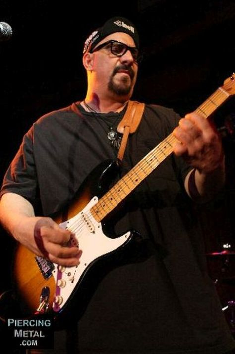 pat dinizio, pat dinizio photos, the smithereens, the smithereens photos