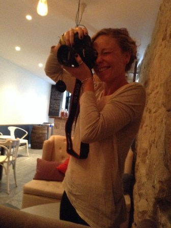 """Mairi, trying for the same shot with a """"real"""" camera"""