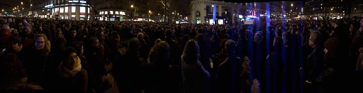 La Place de la République Toute Sombre - Photo Marton