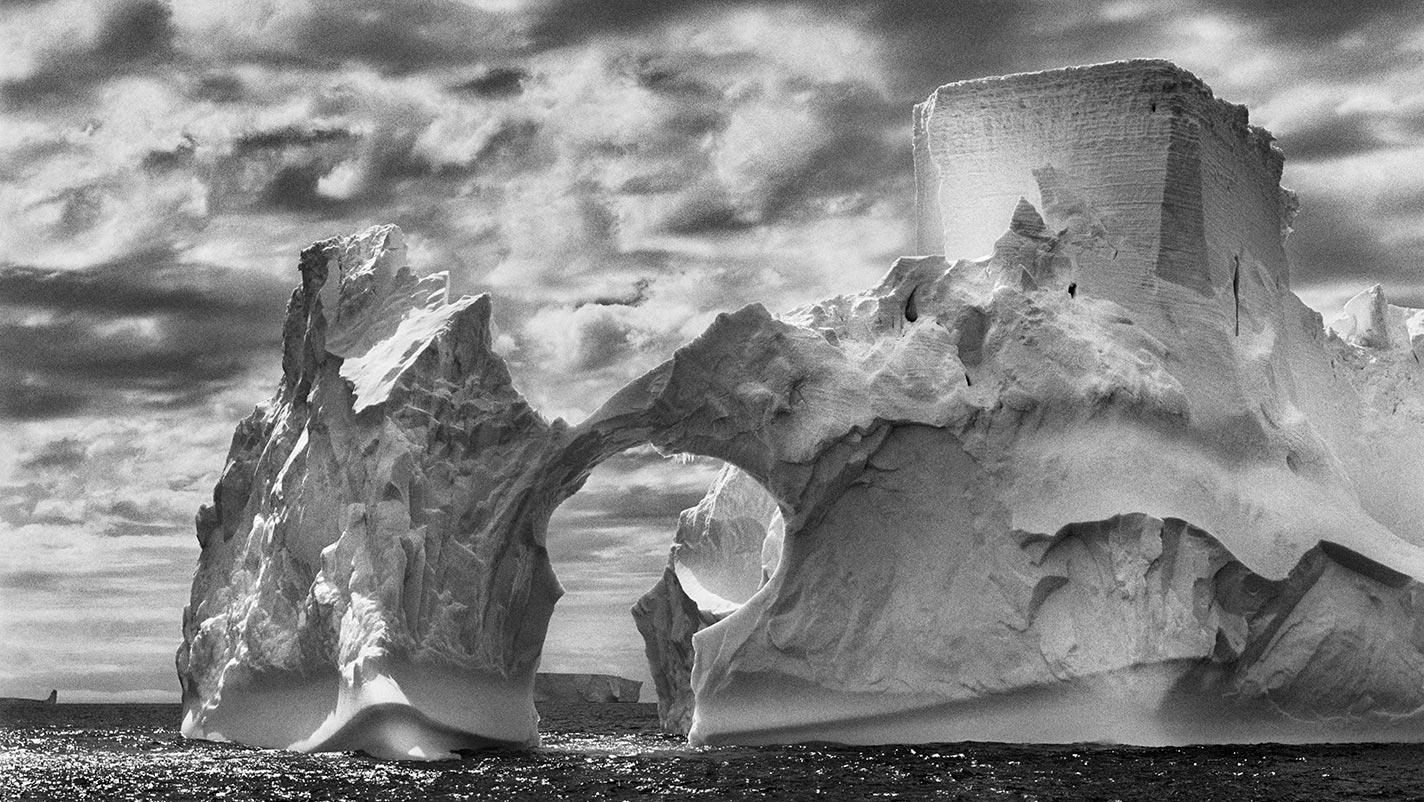 Antarctica by Sebastiåo Salgado