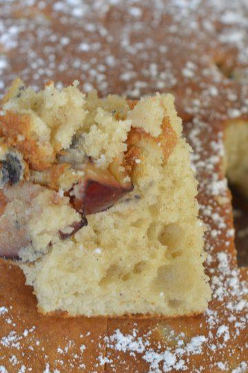 kawalek ciasta z owocami