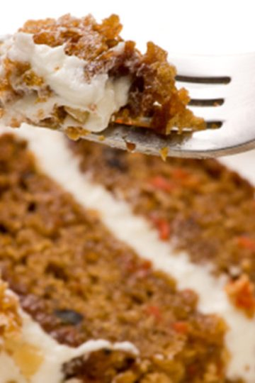 ciasto, marchewkowe, orzechy laskowe, krem,