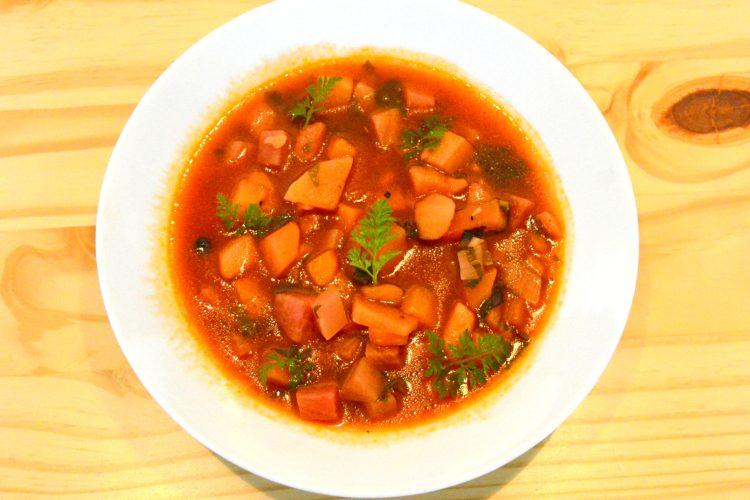 Soupe de rutabaga, barszcz ukrainski, brukiew
