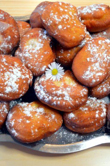 pączki, beignets, pâte briochée, sucre glace
