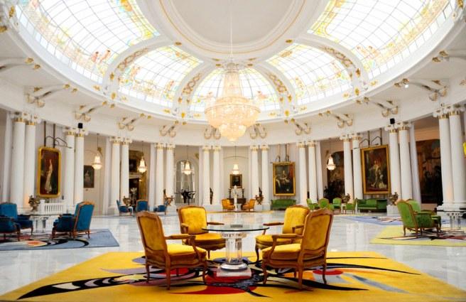 Photographie hôtel : le hall du Negresco, à Nice.