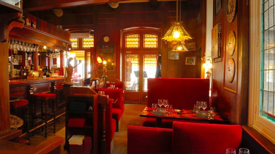 Photographie de l'intérieur du restaurant l'Islandais, à Paimpol.
