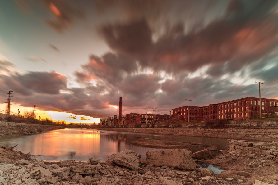 canal_lachine_sunset_saint_ambroise_chimmney_low_level_water_DSC4519_s_w