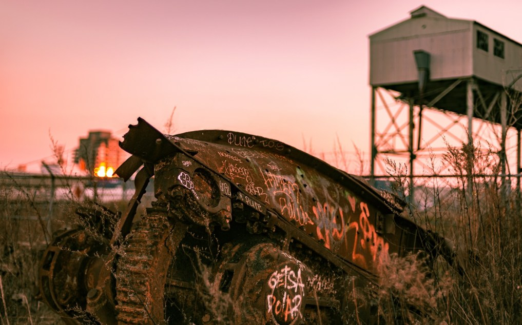 cropped-pointe_du_moulin_tropiques_sunset_rust_graffitis_mechanic_DSC4690.jpg