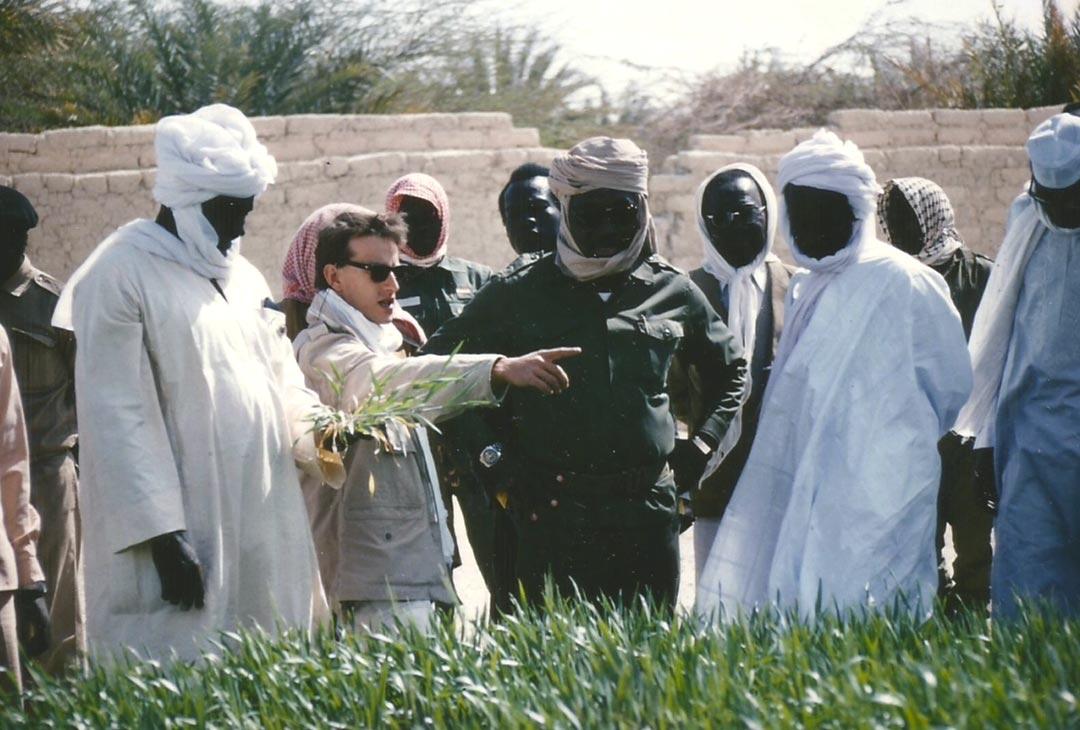 Visite des essais blé par le ministre de l'agriculture, Faya-Largeau, Tchad