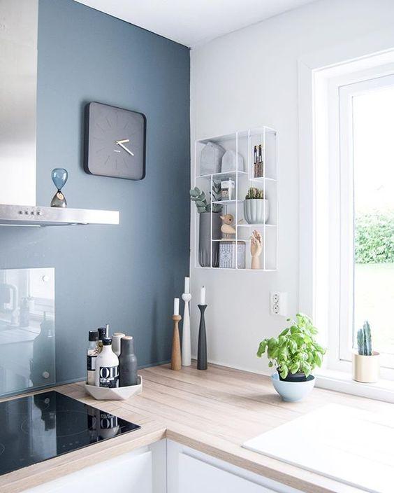 Le bleu est une couleur fascinante parce quelle se décline dans une palette très importante de tonalités complètement différentes. 8 Idees Pour Adopter Bleu Gris Couleur De L Annee 2017 Selon Dulux Pierre Papier Ciseaux