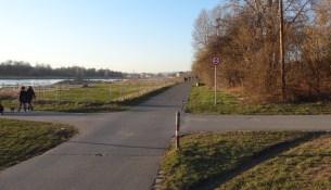Elberadweg Eisenberger Straße februar