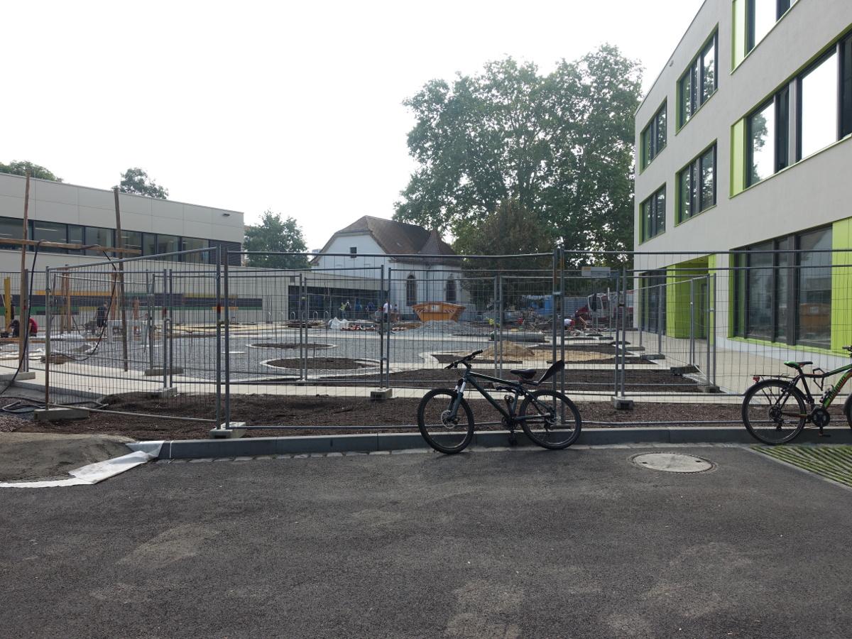 ymnasium Pieschen Leisniger Strasse Hof