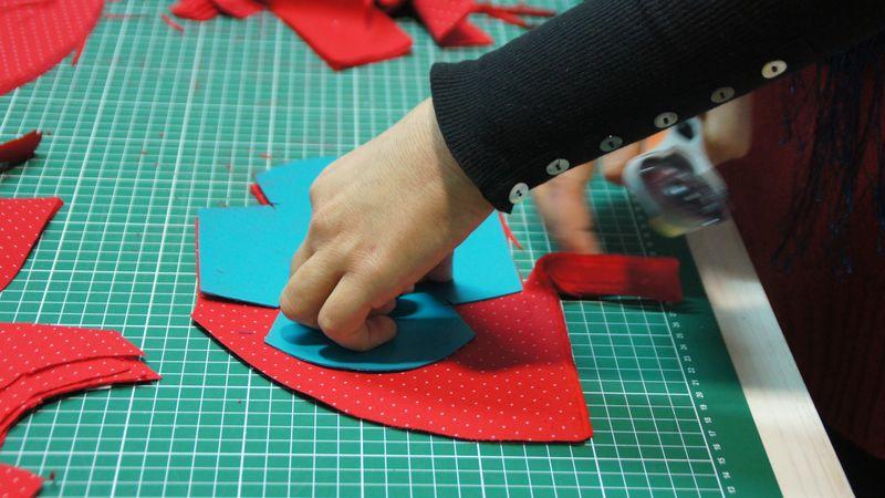 Die Produkte der Windelmanufaktur werden von 17 MitarbeiterInnen handgefertigt