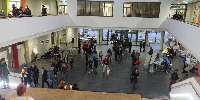Schulcampus Tag der offenen Tür Foyer