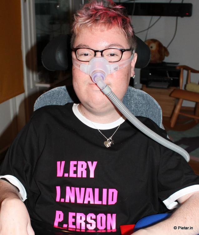 Very Invalid Person -paita.