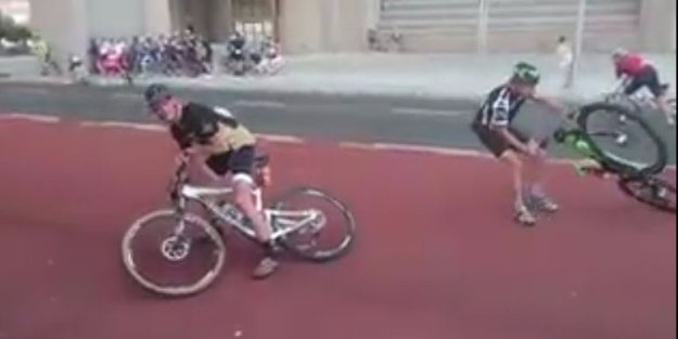 60-mph-winds-wreaked-havoc-on-a-cycling-race-in-south-africa-and-sent-riders-bikes-flying-into-the-air