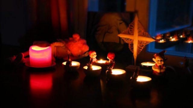 Kynttilät loistavat joulu na