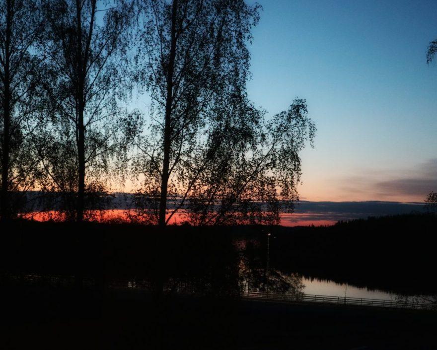 Auringonlasku Saimaalle.